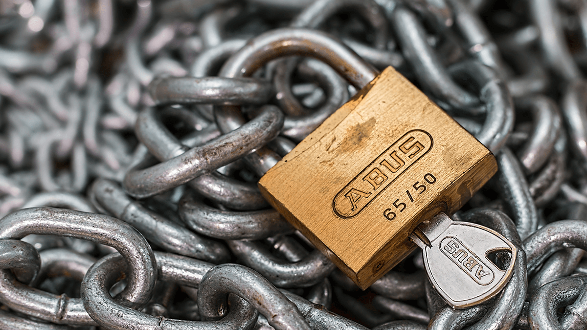 A length of chain and a lock.